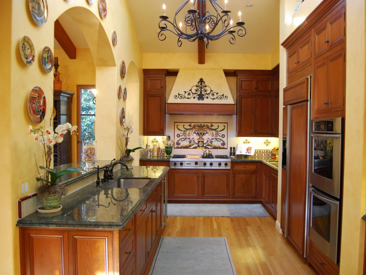 Small Farmhouse Kitchen Design Decor For Classic Interior within Small Farmhouse Plans With Pictures