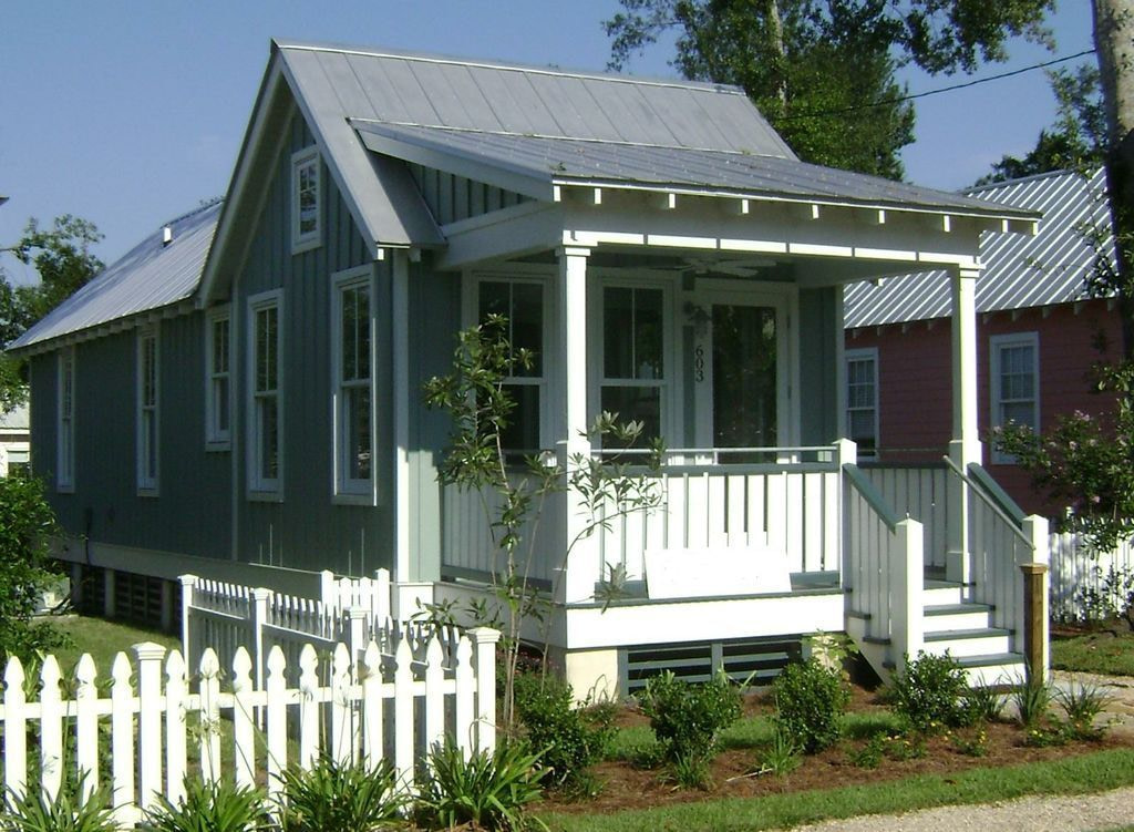 Houseplans 536-4. This One Level 672 Sq Ft House Has with Small One Level Farmhouse Plans
